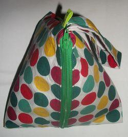 Tetrahedron bag