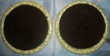 Slice cake in half