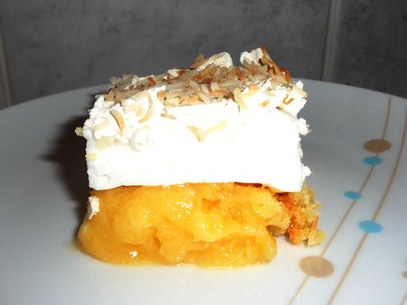 Lemon meringue blondie