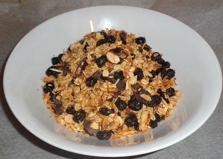 Crunchy granola sweet