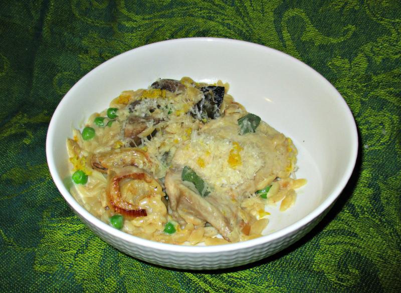 Creamy chicken risoni traybake