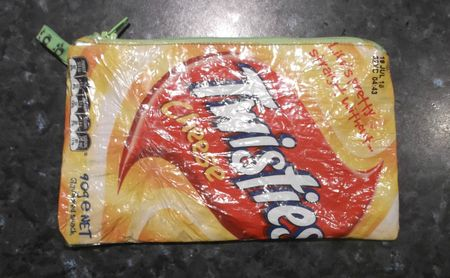 Twistie zippy pouch