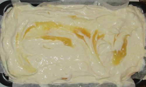 Layer cheesecake on pavlova