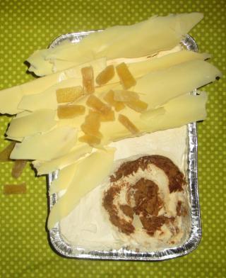 Retro gingersnap cream cake