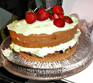 Aunty dutch made a cake!!