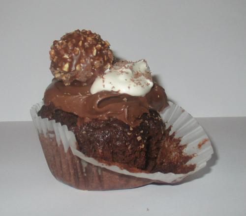 Choctella cupcake