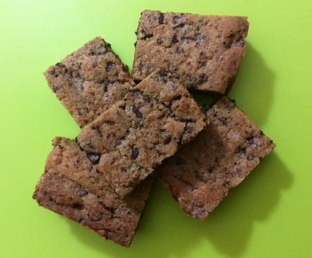 Cinnamon cookie bar