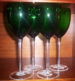 Opulent_green_wine_glasses
